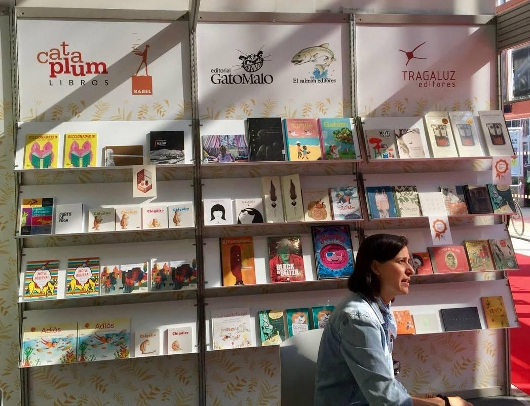 Stand de Colombia en la Feria del Libro de Bolonia